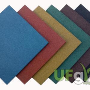 Резиновая плитка для детской площадки 200х200х30 мм
